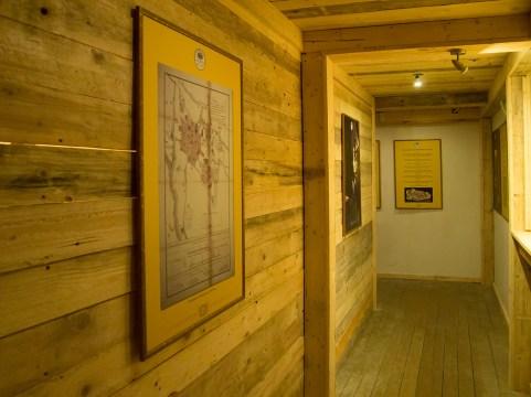 Jedna z sal wystawowych w Muzeum Spraw Wojskowych