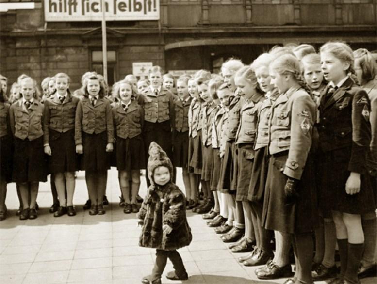 Тайна детей «Лебенсборна». Куда делись 50 000 малышей, украденных эсэсовцам