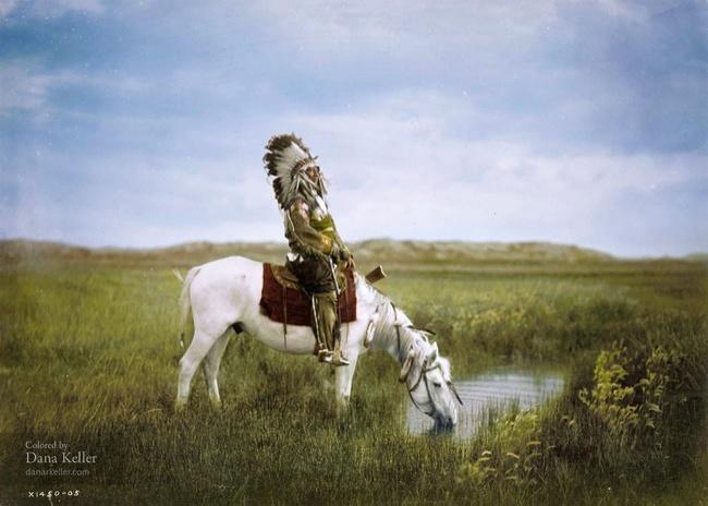 52 раскрашенные фотографии, которые открывают историю в новом цвете
