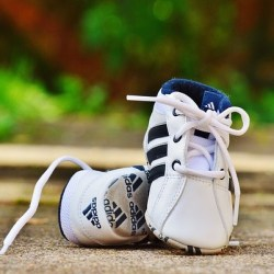 baby-shoes-974715_640