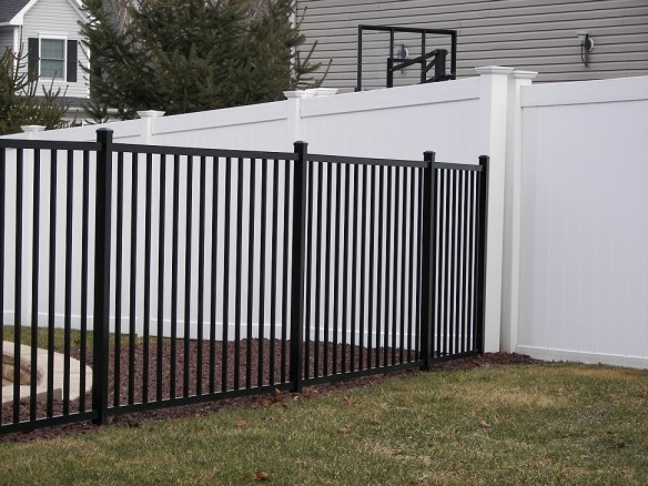 Derby-Commercial-Aluminum-Fencing