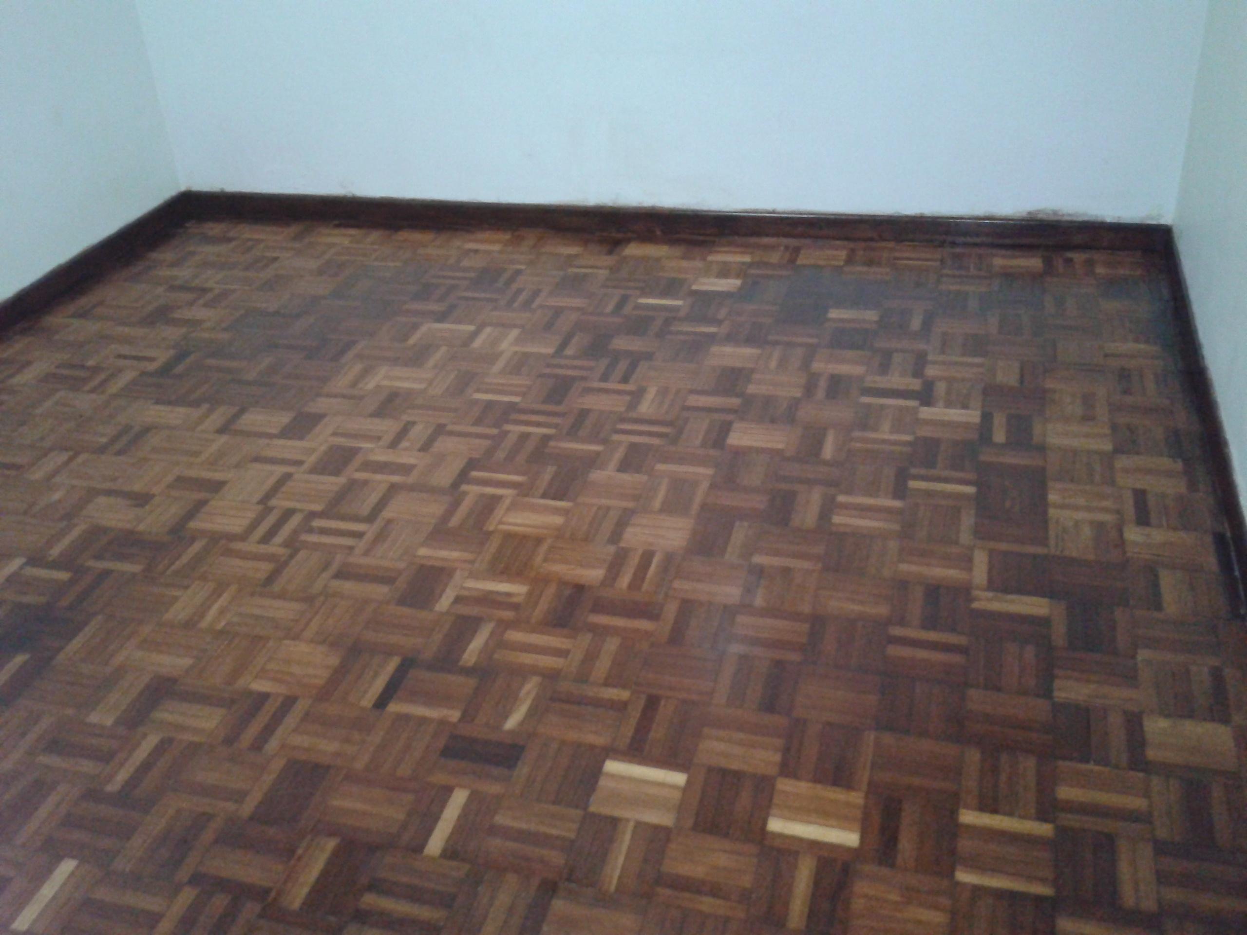 Paint for floor tiles