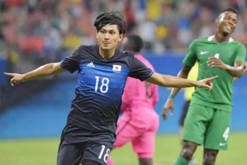Os nigerianos venceram por 5 a 4 a equipe japonesa (Foto: Kyodo)