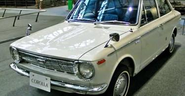Toyota Corolla modelo E10 1966 (Foto: Creative Commons/Toyota Tecnno Museum)