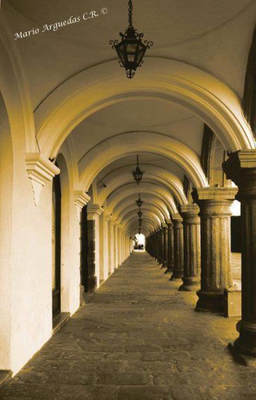 Antigua Guatemala - Arcos del Palacio de Las Capitanes - Foto por Mario Arguadas de Costa Rica.
