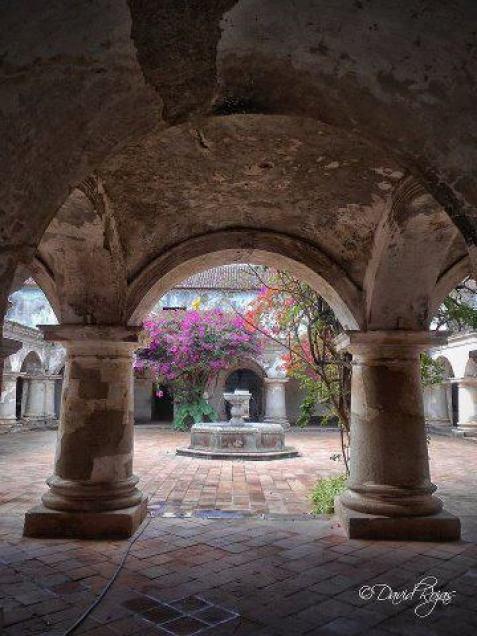 Convento Capuchinas, Antigua Guatemala - foto por Dave Gt Rojas
