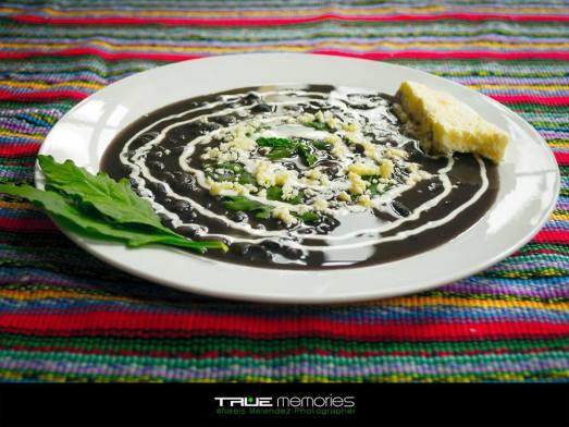 Frijoles negros con Apazote - foto por Neels Melendez de True Memories.jpg