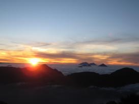 Vista desde la cumbre del volcan Santa Maria - foto por Jose Estuardo Ruiz