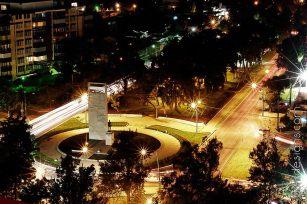 La Avenida las Américas en la ciudad de Guatemala - Fotografía de Oscar Requena.