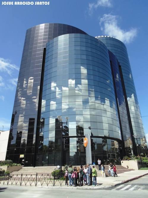 Torre Internacional, Zona 10, Ciudad de Guatemala - foto por Josue Arnoldo Santos Melendez