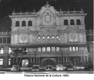 Fachada princilpal del Palacio Nacional en 1953 - enviada por Jorge Perez