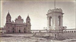 Plaza Central de la Capital de Guatemala en 1875 - foto de Juan Arturo Pérez