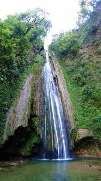 Catarata de San Antonio Sechaj, Senahu, Alta Verapaz - foto por Gloria Mancill.