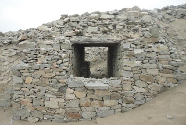 Una de las torres de Chankillo, Perú