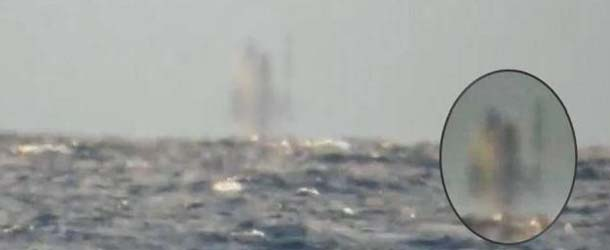 Graban un barco fantasma flotando sobre el Lago Superior de Míchigan