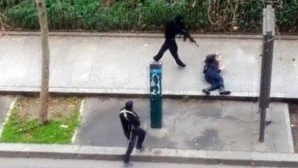 1420629274_264304_1420710146_noticia_fotograma-1 LA MANIPULACIÓN DE LOS MEDIOS DE COMUNICACIÓN EN EL TIROTEO DE PARIS