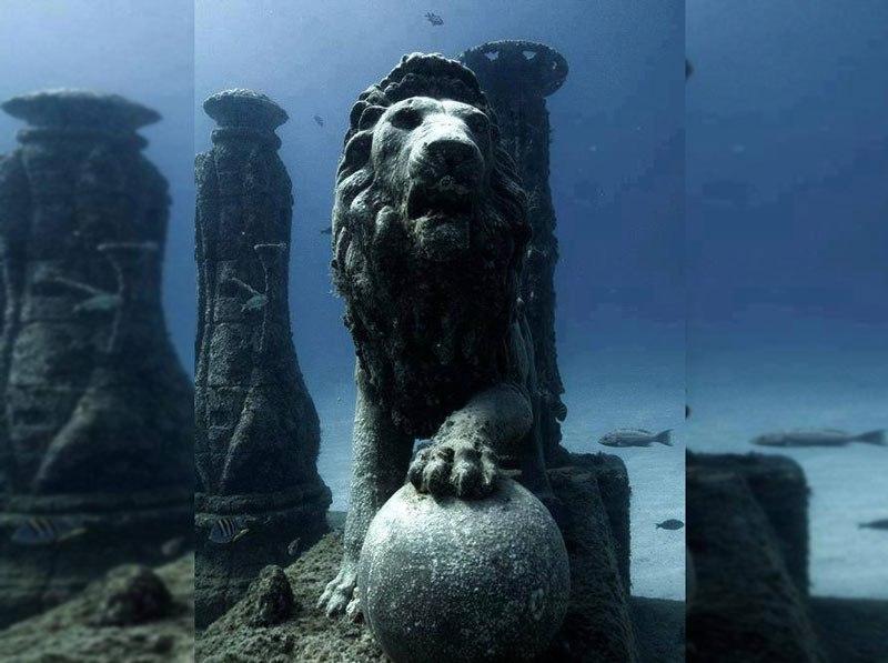 Cleopatras-underwater-palace-Egypt-.-3 Las 5 ciudades olvidadas bajo las aguas