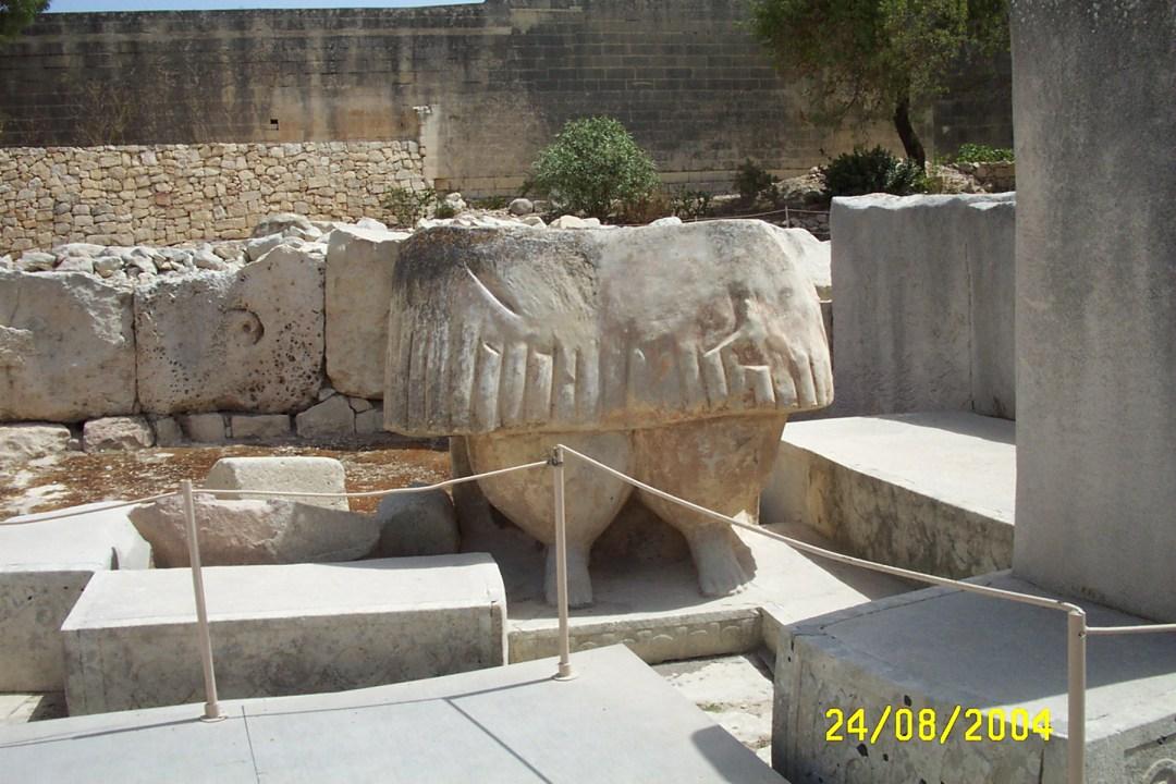 imagen_0738 Templos IMPOSIBLES de una religión PREHISTÓRICA anterior a Adán: Los templos de Hagar Qim en Malta