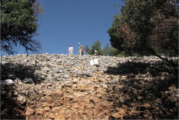 israel-stone-monument-4 Identifican una gran estructura en forma de media luna, de hace unos 5.000 años, en Israel