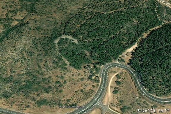 israelstonemonument1 Identifican una gran estructura en forma de media luna, de hace unos 5.000 años, en Israel