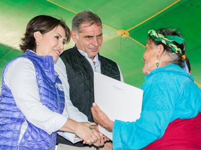 Gobierno de Oaxaca y Federación entregan cerca de 63 mil títulos de propiedad y certificados parcelarios