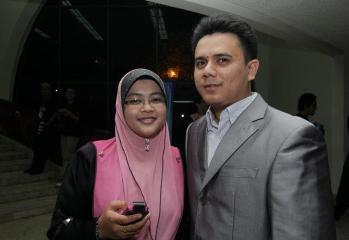 Alan dan isteri tercinta, Mastura sewaktu di majlis Anugerah Nasyeed.Com 2012.