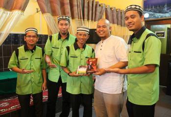 Setiausaha Agung MUNSYID MALAYSIA, Muhammad Razin merasmikan majlis pelancaran album Firast dan Ust Manis