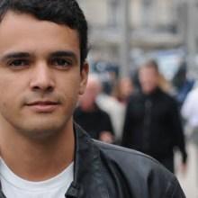 """Léo Fonseca assina contrato com a Sony para lançamento do CD """"Amor Real"""""""