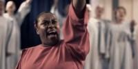 """""""Santificação"""": primeiro clipe de Elaine Martins ultrapassa 2,2 milhões de visualizações"""