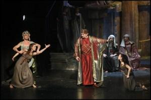 Známá scéna: Šalamoun rozhoduje mezi ženami, které se hádají o dítě Sibyla královna ze Sáby Daniel Hůlka