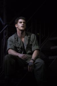 Alistair Brammer jako Chris