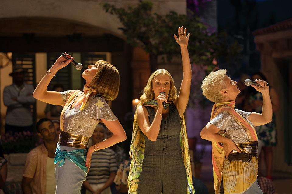 Christine Baranski (Tanya), Amanda Seyfried (Sophie) a Julie Walters (Rosie) Mamma Mia! Here We Go Again