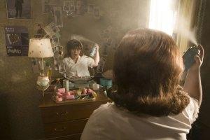 Nikky Blonsky v hlavní roli Tracy (a nezbytný lak na vlasy)