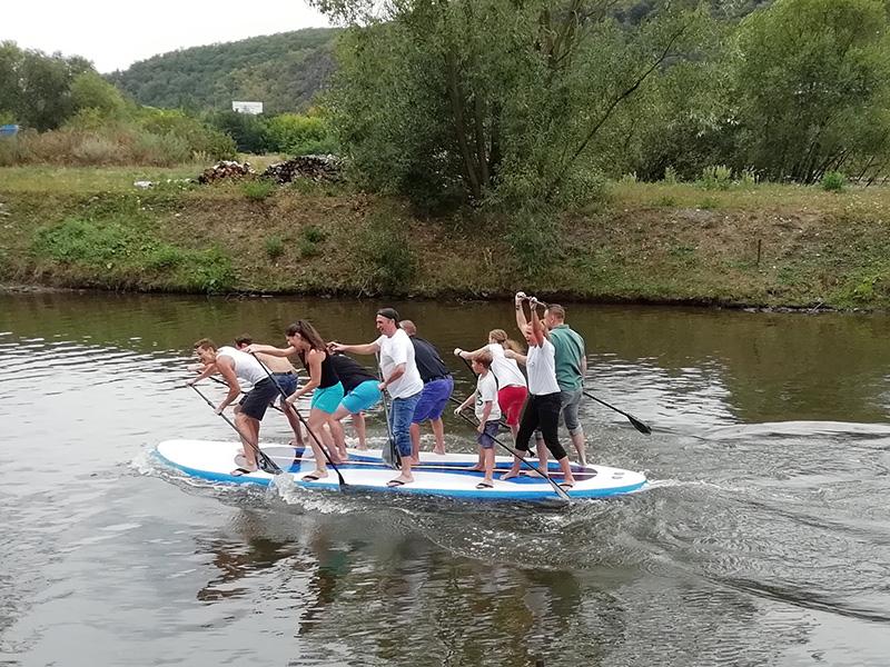 Závod na magepaddleboardech