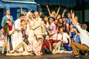 Závěrečná svatba v české verzi muzikálu Mamma Mia!