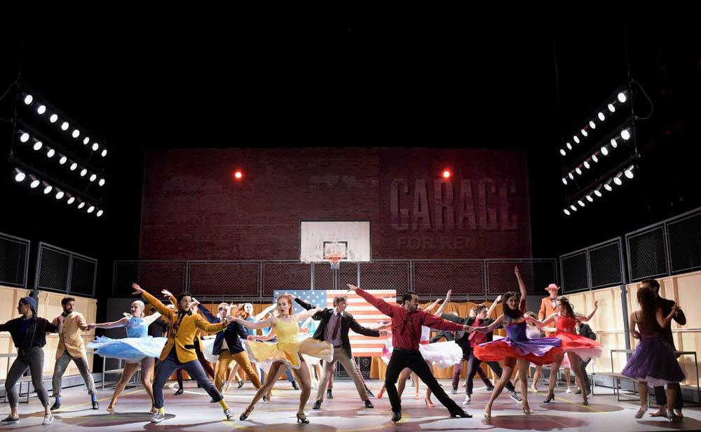 Choreografie ve scéně na tancovačce