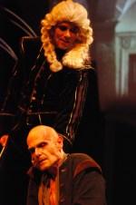 Hrbáček (Vladimír Marek) se svým pánem Bobligem (Lukáš Vaculík)