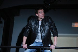 Micheal jako Roger v Rentu