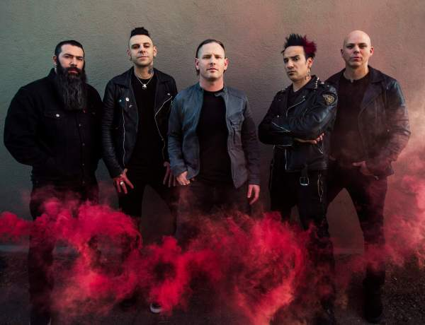 Stone Sour 2017 press shot credit Travis Shinn (1)