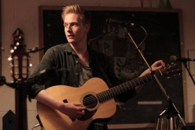 Solo Guitarist & Vocalist For Hire In London