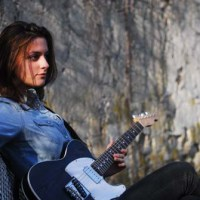 Laura Cox Interview - Guitarist talks about her YouTube channel