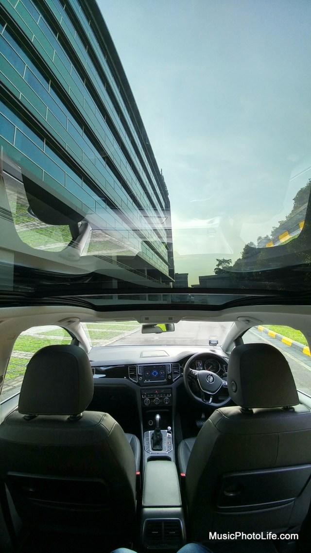 Volkswagen Saportsvan sunroof panoramic view