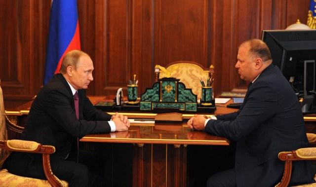 Встреча президента с экс-главой Калининградской области. Фото: президент.рф