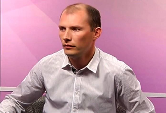 Лидер карельских коммунистов Евгений Ульянов развернул широкомасштабную пиар-кампанию перед выборами в республиканский парламент. Скрин канала Youtube