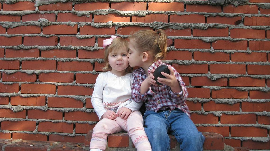 Hilfe, mein Kind findet keine Freunde! Tipps für betroffene Eltern