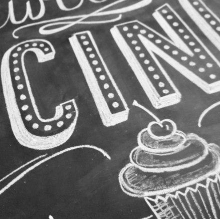 mrwonderfulshop_P8CUPC1_lamina_a_cupcake_is_hapiness_02