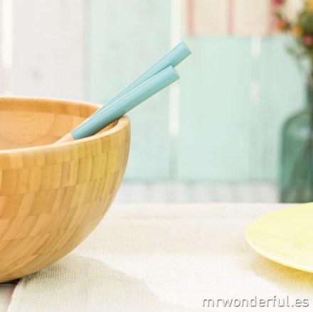 mrwonderful_NW0135_1_set-cucharas-madera-ensalada_azul-4