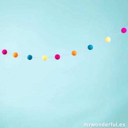 Mr.Wonderful guirnalda de pompones de colores