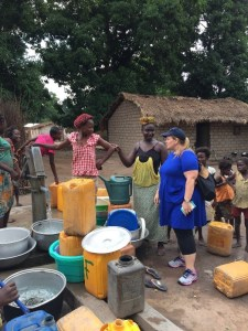 Chatting with community members as they collect water WFP/Dominique Ferretti