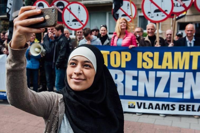 Zakia Belkhiri selfie